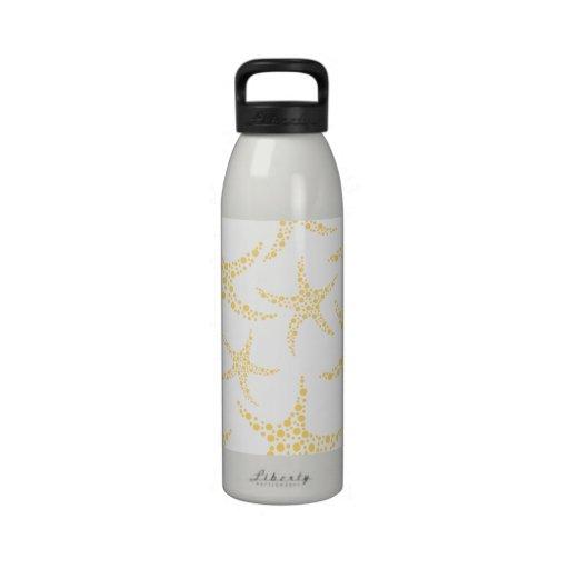 Las estrellas de mar modelan en amarillo y blanco botella de agua reutilizable