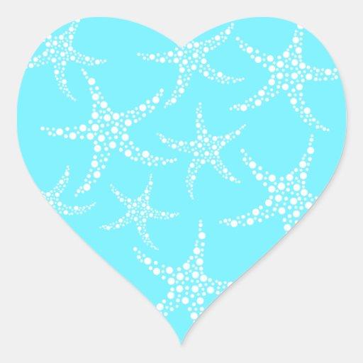 Las estrellas de mar modelan en turquesa y blanco pegatina en forma de corazón