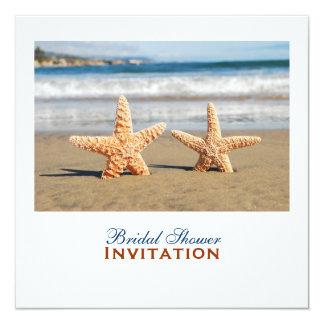 """Las estrellas de mar se juntan en la ducha nupcial invitación 5.25"""" x 5.25"""""""