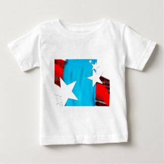 Las estrellas N rayan la camiseta infantil Polera