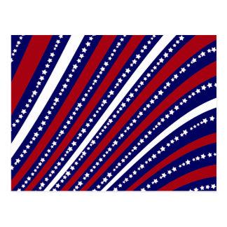 Las estrellas patrióticas rayan la bandera de la postal