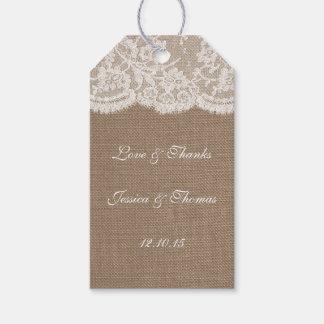 Las etiquetas de la colección de la arpillera y etiquetas para regalos