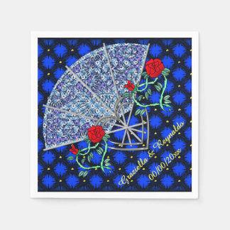 Las fans azules, los corazones de plata y el rojo servilleta de papel
