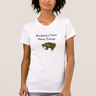Las fans de los depredadores tienen colmillos camisetas