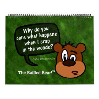 Las fechas adaptables desconcertadas del oso hace calendario de pared