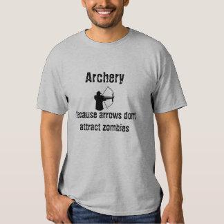 Las flechas no atraen la camisa de los zombis