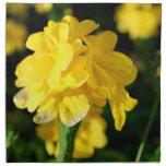 las flores amarillas se cierran encima de imagen f servilleta imprimida