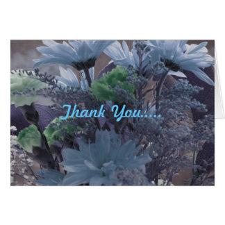 Las flores azules le agradecen cardar tarjeta