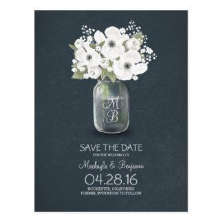las flores blancas rústicas del tarro de albañil postal