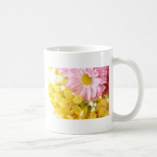 Las flores más frescas taza de café