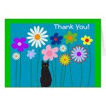 Las flores retras y el gato negro le agradecen las tarjeta