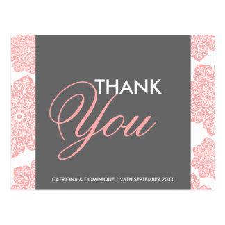Las flores rosadas y grises del batik le agradecen tarjetas postales