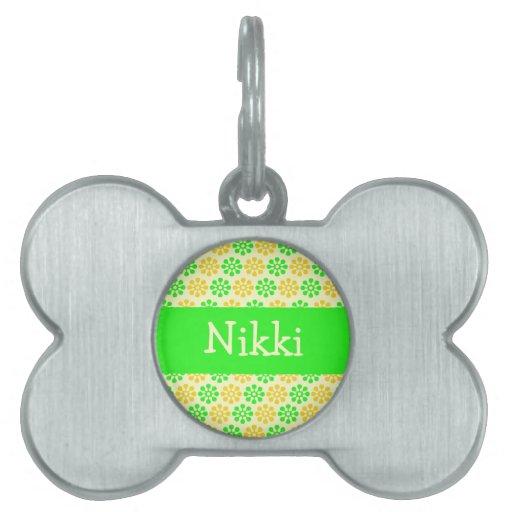 Las flores verdes y amarillas personalizaron la pl placas de nombre de mascota