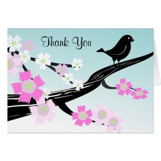 Las flores y el pájaro preciosos en rama le tarjeta de felicitación