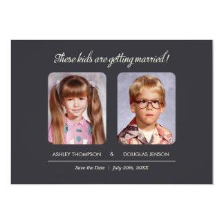 Las fotos de la niñez ahorran la invitación de la