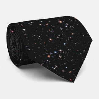 Las galaxias más distantes - una década de Hubble Corbata