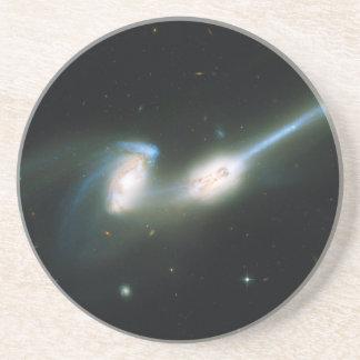 Las galaxias NGC 4676 de los ratones que chocan y  Posavasos Personalizados