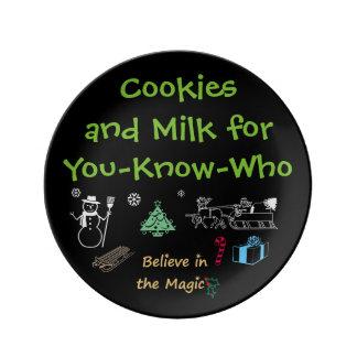 Las galletas de Santa y placa de la leche por Platos De Cerámica