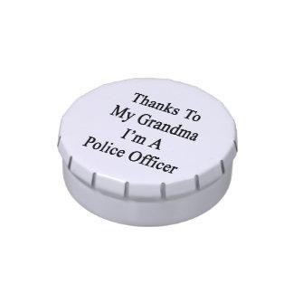 Las gracias a mi abuela soy oficial de policía latas de dulces