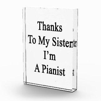 Las gracias a mi hermana soy Pianist.