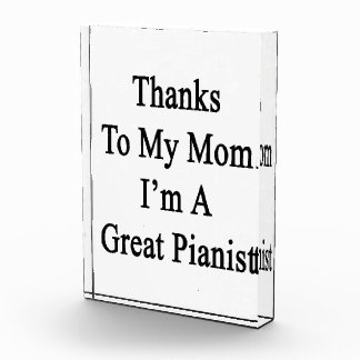 Las gracias a mi mamá soy gran pianista