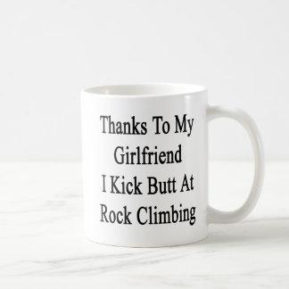 Las gracias a mi novia golpeo extremo con el pie taza