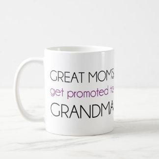 Las grandes mamáes consiguen promovidas a la abuel taza básica blanca