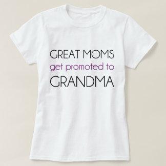 Las grandes mamáes consiguen promovidas a la playeras