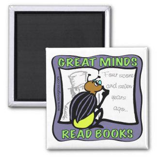 Las grandes mentes leyeron los libros imán cuadrado
