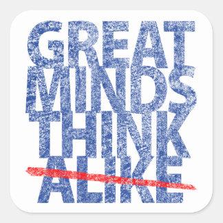 Las grandes mentes piensan igualmente etiqueta