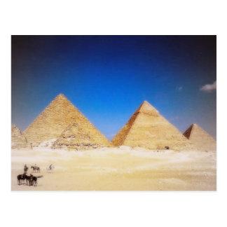 Las grandes pirámides postales