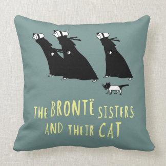 Las hermanas de Bronte y su gato Cojín