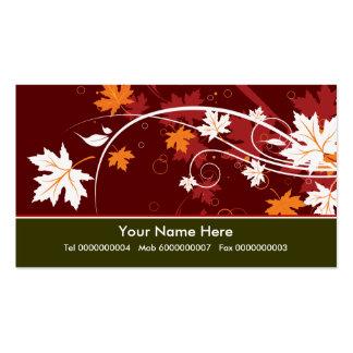 Las hojas de arce de la caída en otoño colorean la tarjetas de visita