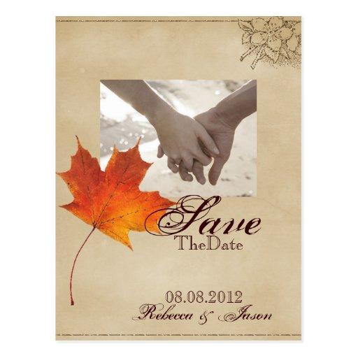 Las hojas de arce rojas elegantes ahorran la fecha tarjetas postales