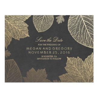las hojas de la pizarra y del oro caen reserva la tarjeta postal