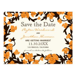Las hojas de otoño anaranjadas de Brown ahorran la Tarjeta Postal