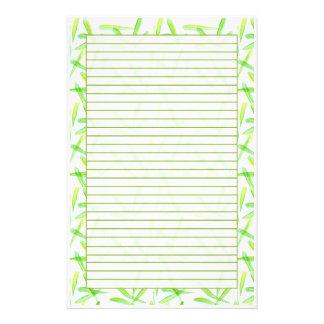 Las hojas del verde alinearon el arte de papel de  papelería de diseño