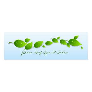 Las hojas del verde con agua caen flaco tarjetas de visita mini