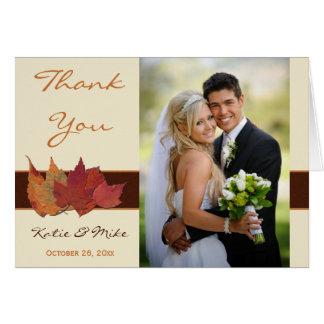 Las hojas secadas marfil anaranjada de Brown le ag Felicitación
