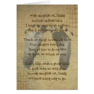Las huellas del bebé para el cumpleaños del papá tarjeta de felicitación