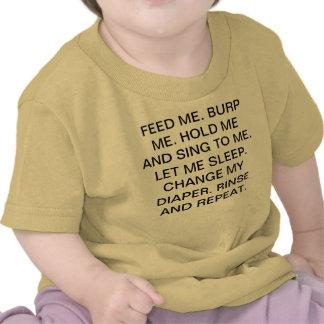 Las instrucciones adaptables ME ALIMENTAN. BURP ME Camiseta