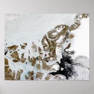Las islas 2 de la reina Elizabeth Póster