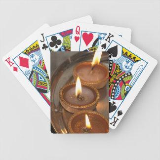 Las lámparas de aceite mantuvieron una placa duran baraja cartas de poker