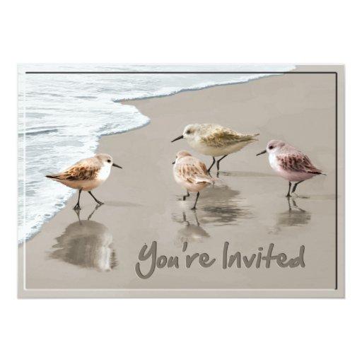 """Las lavanderas en la línea de la playa le invitan invitación 5"""" x 7"""""""