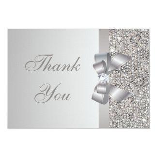 Las lentejuelas, el arco y el diamante de plata invitación 8,9 x 12,7 cm