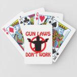 Las leyes del arma no trabajan barajas de cartas