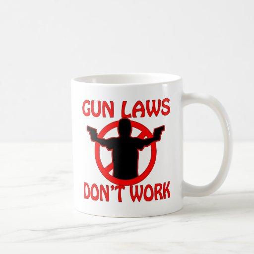 Las leyes del arma no trabajan tazas