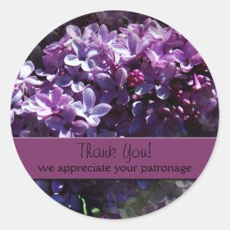 Las lilas le agradecen los pegatinas pegatina redonda