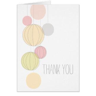 Las linternas coloridas le agradecen cardar tarjeta de felicitación