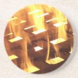 Las llamas del fuego a través de una fotografía de posavasos manualidades